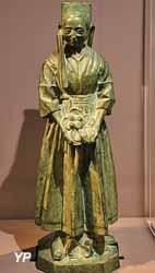 Bretonne de Plougastel, bronze (René-Marie Quillivic, 1921)
