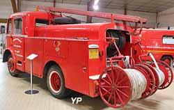 Fourgon Pompe Tonne sur camion Berliet GLA