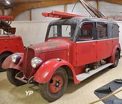 Auto-pompe légère Delahaye 140/103