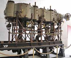 Machine à vapeur du bateau-citerne La Cataracte