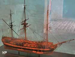 Le Boullongne, flûte de la Compagnie des Indes (XVIIIe siècle)