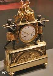 Pendule Paul et Virginie (Jean-Simon Reverberie, bronze doré, entre 1750 et 1800)