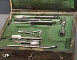 Coffret de trépanation (XVIIIe siècle)