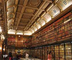 Cabinet des Livres (19 000 livres et 1500 manuscrits)