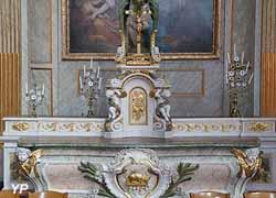 Maître autel de style Classique (bois doré, 1774)