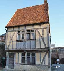 Maison à pan de bois du XVe siècle