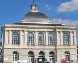 Hôtel de ville et Théatre à l'Italienne (Yalta Production)
