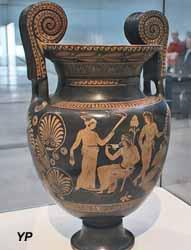 Vase (cratère) à volutes (vers 380 avant JC)