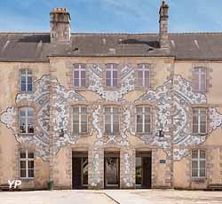 Musée des Beaux-arts et de la Dentelle. Fresque réalisée par l'artiste NeSpoon (Service Communication, Ville d'Alençon / Olivier Héron)