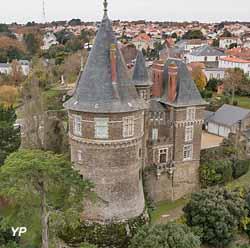 Château (R. de Vogüé)