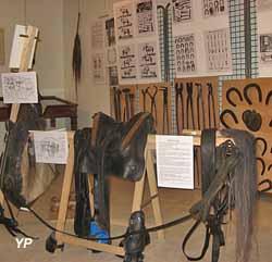 Ecomusée de la Vallée de l'Aigre - expo 2018 le bourrelier et le maréchal-ferrant