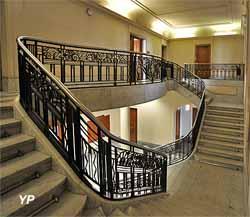 Grand escalier du bâtiment A