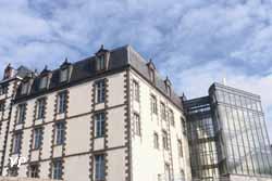 Collège Michel de l'Hospital (A Hébrard)