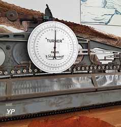 Musée des Métiers de la Chaussure - machine à piéter
