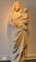 Vierge à l'Enfant (calcaire, début XIVe s.)