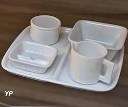 Service pour petit déjeuner (Raymond Loewy, manufacture Raynaud, 1976)