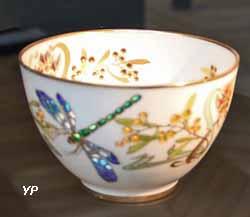 Coupelle décorée d'une libellule (émaux cloisonnés translucides, manufacture Pouyat) (Yalta Production)