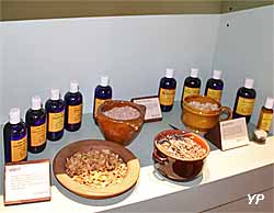 Hydrolats et huiles essentielles