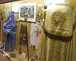 Costume de pénitents bleu et de chanoine