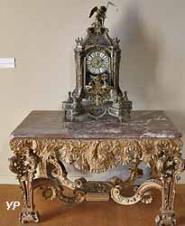Console (XVIIe s.) et grand cartel type Boulle (XVIIe s.)