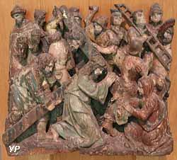 Élément de retable : le Portement de Croix (bois polychrome, XVIe s.)