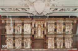 REtable des vies de la Vierge et de saint Georges (albâtre polychrome et doré, XVIe s.)