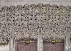 Dentelle de pierre de style gothique flamboyant