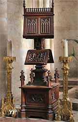 Lutrin et chandeliers