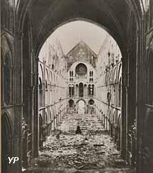 Après le bombardement allemand de 1918