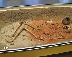 Sépulture d'un jeune homme (vers 4500 avant JC)