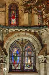 Cathédrale Saint-Apollinaire (E. Caillet)