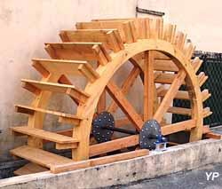 Roue du moulin à Chabeuil (Les Amis du Canal des Moulins)