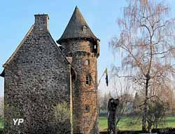 Château de la Tremolière (ville d'Anglards-de-Salers)