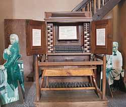 Ancienne console de l'orgue