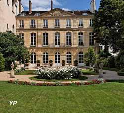 Hôtel d'Avaray - résidence de l'ambassadeur des Pays-Bas