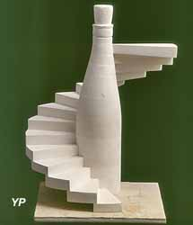 Chef-d'oeuvre de réception en pierre de tuffeau du compagnon G. Hugon(1979)