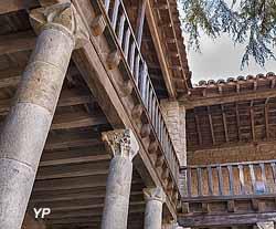 Abbaye de Lagrasse partie publique (ancienne abbaye Sainte-Marie d'Orbieu) (Yalta Production)