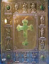 La Sainte Bible du chanoine Crampon (reliure en argent, incrusté de pierres vertes)