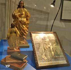 Deux vierges en bois doré (XVIIIe s.)