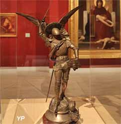 Saint Michel terrassant le dragon (Emmanuel Fremiet)
