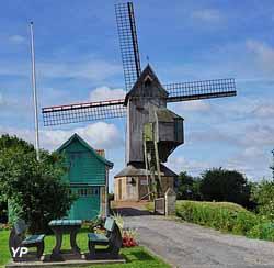 Moulin Noordmeulen (Office de Tourisme des Hauts de Flandre)