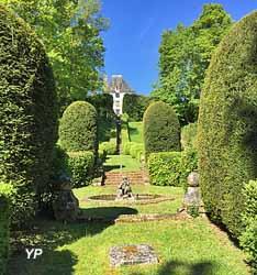 Jardin et ruines de la Tour de Naud (Denys A.Laroche)