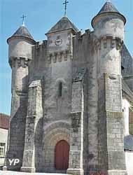 Église fortifiée Saint-Michel (Mairie de Lourdoueix-Saint-Michel)