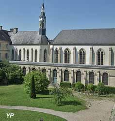 Abbaye Sainte-Trinité (Hôtellerie La Joie saint Benoît)