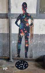 Les Ailes de Bernard - ancienne usine Perrier (La Trisandre)