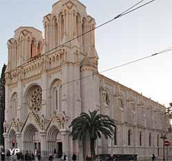 Basilique Notre-Dame (Yalta Production)