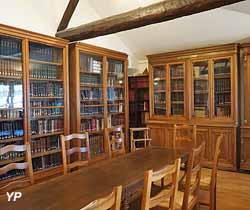 Bibliothèque des Amis du Musée (Musée de Bourgoin-Jallieu)
