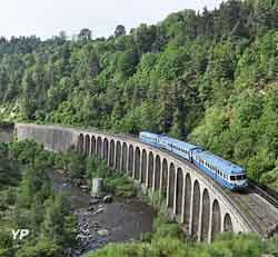 Train bleu du sud (Association AP2800)