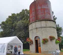 Château d'eau de l'ancienne gare (OT Couesnon Marches de Bretagne)