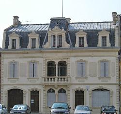 Maison Claude Augé (Mairie de L'Isle-Jourdain)